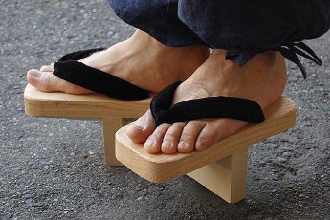De Ippon-ba geta, de Japanse slippers waar Xsensible haar inspiratie uit heeft gehaald voor de Xsensible Stretchwalker.