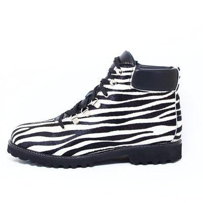 Recharge Quinty Zebra